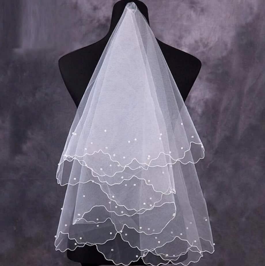 AliExpress Cheap Designer Wedding Dresses Bridal Gown Pearl Bridal Veil 1