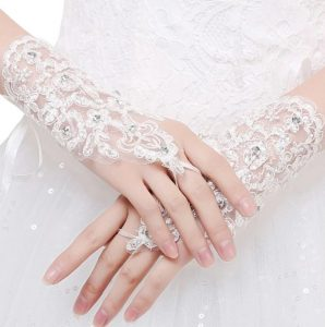 AliExpress Cheap Designer Wedding Dresses Bridal Gown Princess Fingerless Gloves1