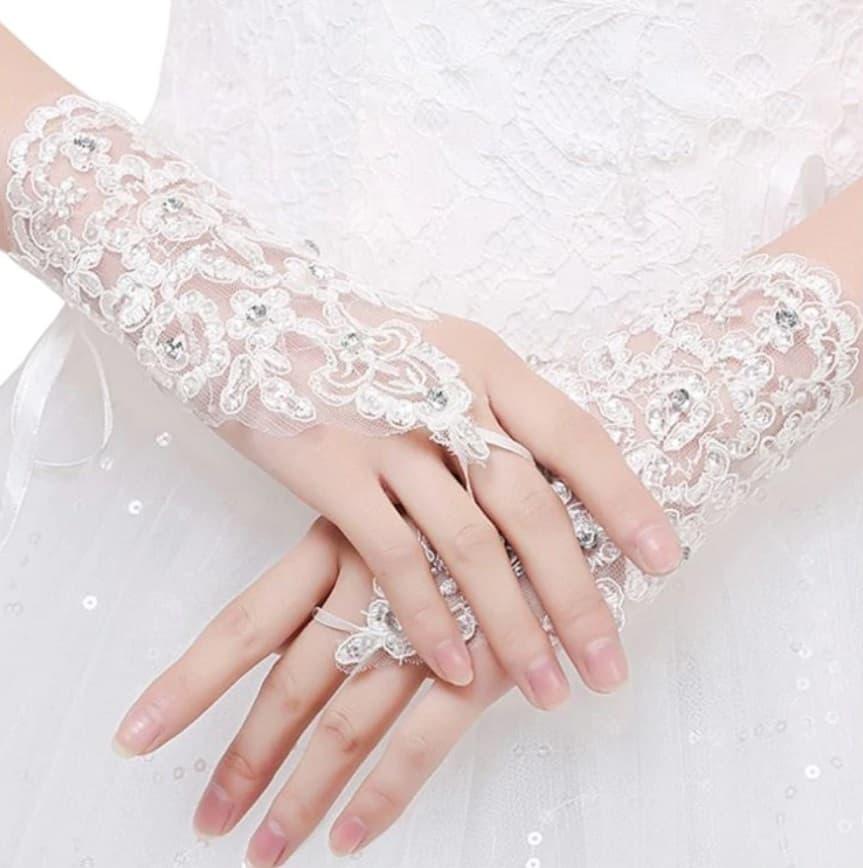 AliExpress Cheap Designer Wedding Dresses Bridal Gown Princess Fingerless Gloves1