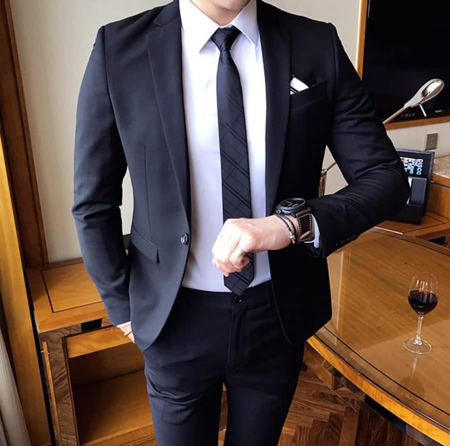 AliExpress Cheap Designer Wedding Dresses Groom Mens Wedding Suit Formal Party in Dark Blue Handkerchief 2