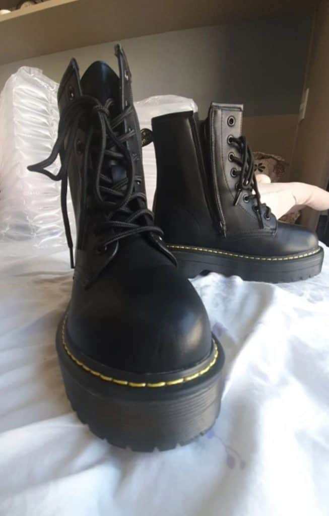 Fashion Brand Replica Boots Cheap Branded Copy Sneakers Fake Shoes AliExpress China Wholesale GZ Store Smile Circle 5 Doc Marten Dr